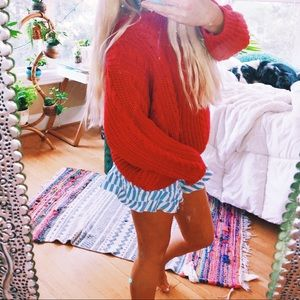Candy Apple Red Cabled Chunky Cozy Vtg  Knit ✨
